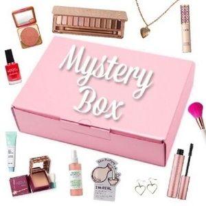💄🧣🧴LOADED💎Mystery Box 🕶💍